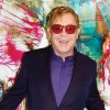 "Elton John lansează EP-ul ""Step Into Christmas"""