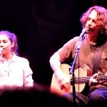 Chris Cornell și fiica sa Toni cântă Redemption Song