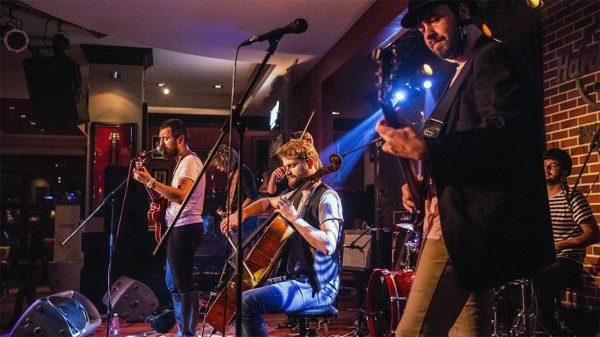 Toulouse Lautrec în concert la Hard Rock Cafe București