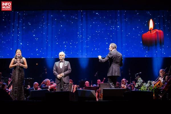 Tenorul José Carreras și soprana Nataliya Kovalova interpretând Ave Maria în memoria victimelor din clubul Colectiv