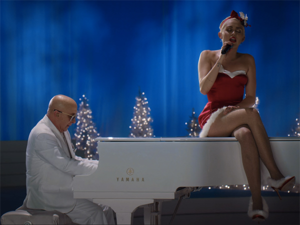 Miley Cyrus - Silent Night