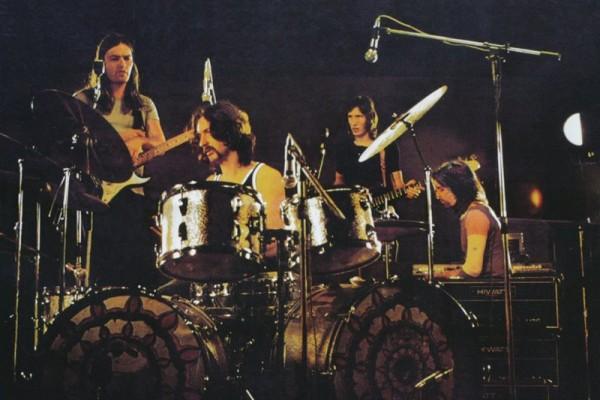 "Pink Floyd înregistrând ""Live at Pompeii"""