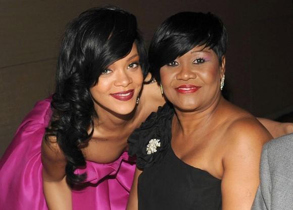 Rihanna și mama sa