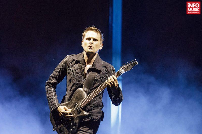 Matt Bellamy (chitară, voce)