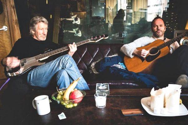 Roger Waters alături de producătorul Nigel Godrich