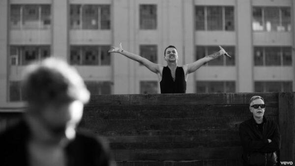 Videoclip Depeche Mode Where's the Revolution