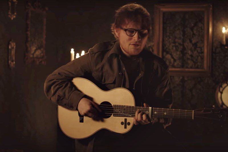 Ed Sheeran Performs- Hearts Don't Break Around Here