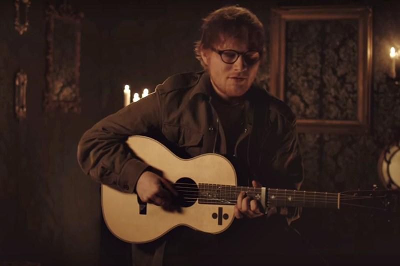 Ed Sheeran Performs- Hearts Don't Break Around Here