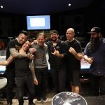 Stone Sour in studio cu un fan