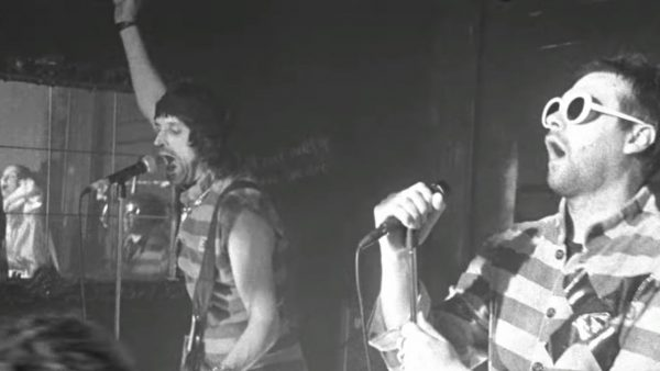 Videoclip Kasabian Bless This Acid House