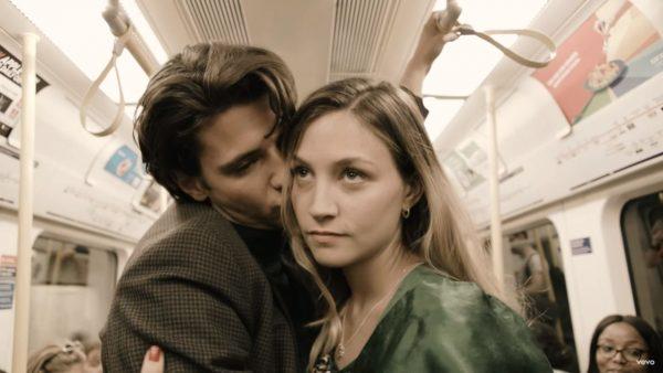 Videoclip Wolf Alice Don't Delete the Kisses