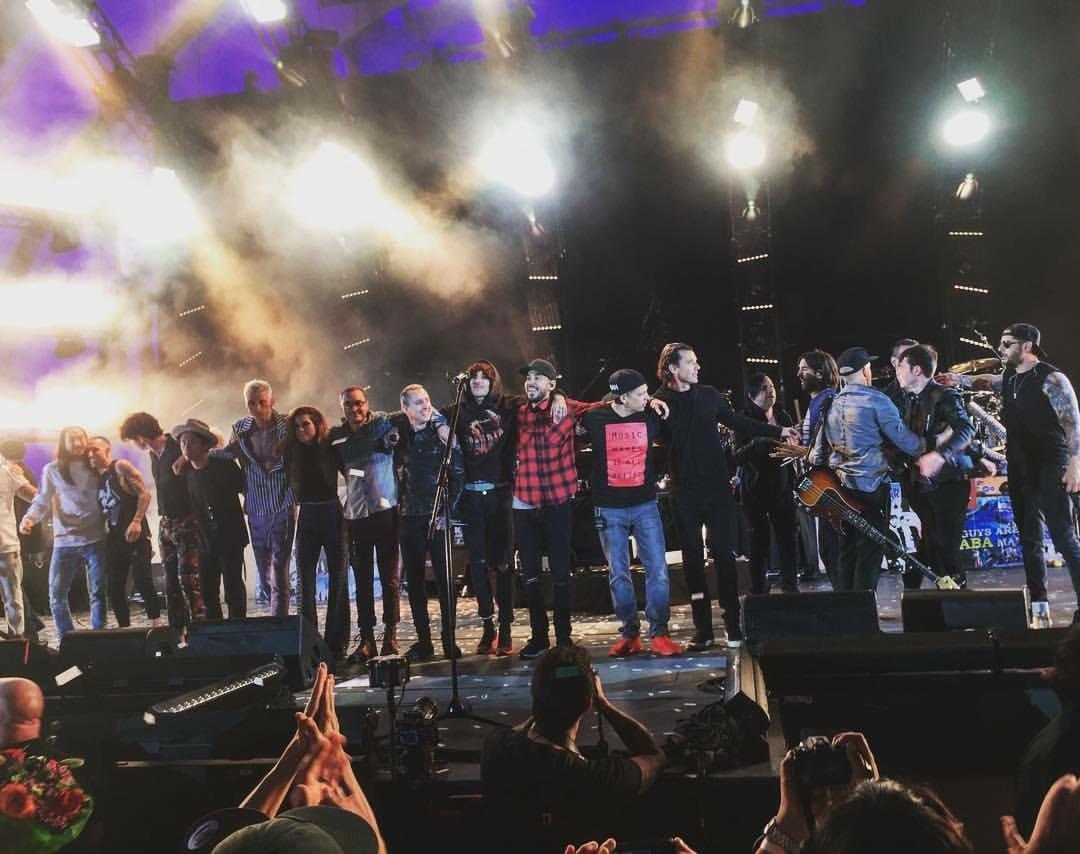 Linkin Park and Friends Concert Tribut Chester Bennington