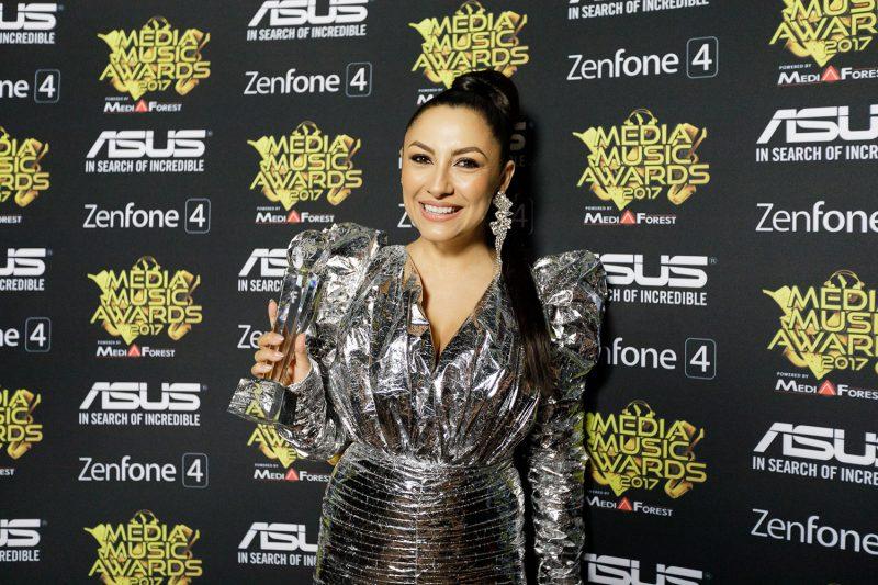 Andra câștigând trofeul Most Wanted Artist oferit de ASUS la Media Music Awards