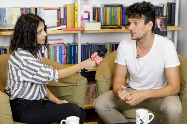 Tudor Chirilă și Raluca Chirilă (InfoMusic) în Seneca AntiCafe