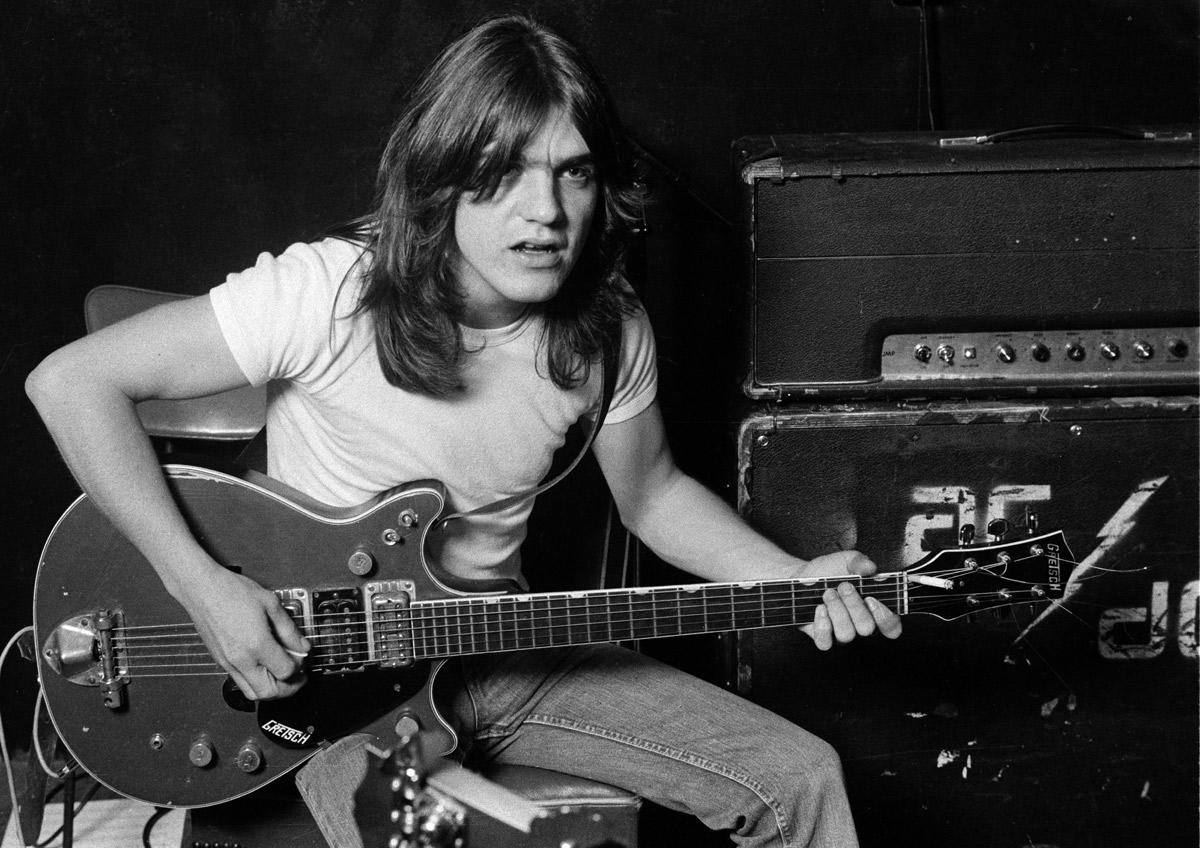 Chitaristul Malcom Young, membru fondator AC/DC