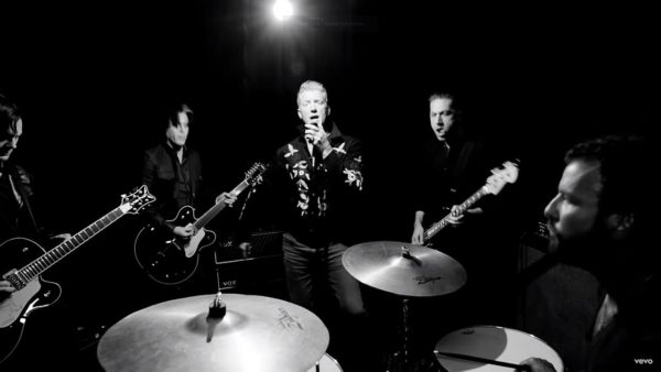 Videoclip Queens of the Stone Age The Way You Used To Do