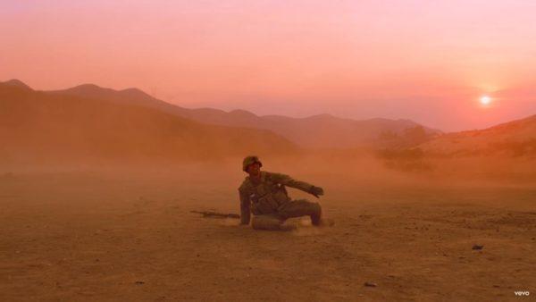 Videoclip Five Finger Death Punch Gone Away