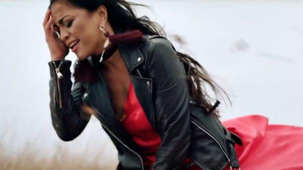 Jukebox & Bella Santiago - Auzi cum bate