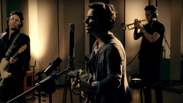 Stereophonics - What's All The Fuss About? (Live)