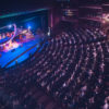 Barurile, restaurantele, teatrele și cinematografele se redeschid dacă rata infectărilor se menține sub un prag cheie, a anunțat Traian Berbeceanu