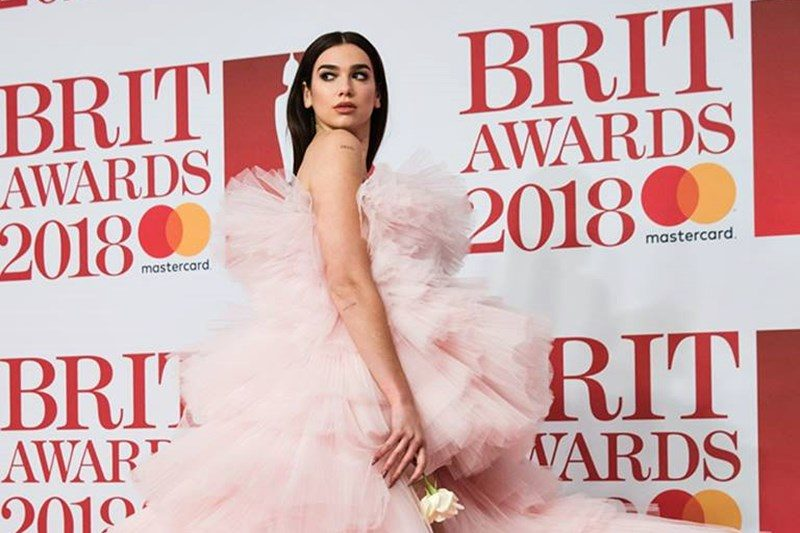 Dua Lipa la gala Brit Awards 2018