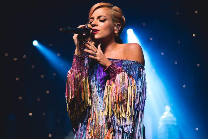Lily Allen 2018 lansare single Three Higher