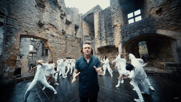 Videoclip Papa Roach None of the Above