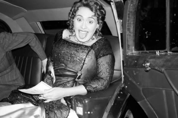 Adele costumată în Rose din Titanic