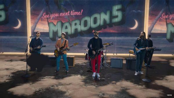 Videoclip Maroon 5 Three Little Birds