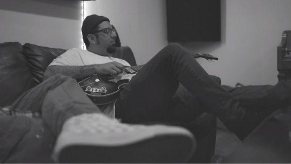 Videoclip Mike Shinoda Chino Moreno Machine Gun Kelly Lift Off