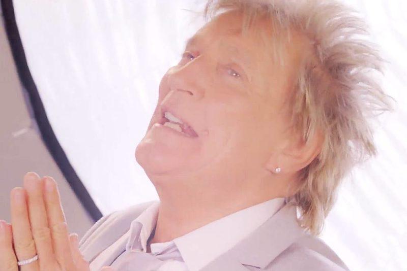 "Rod Stewart în videoclipul noului single ""Didn't I"""