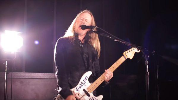 Videoclip Alice in Chains Never Fade