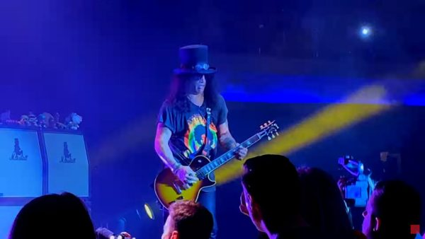Videoclip Slash Myles Kennedy The Conspirators Mind Your Manners
