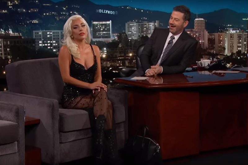 Lady Gaga în emisiunea lui Jimmy Kimmel
