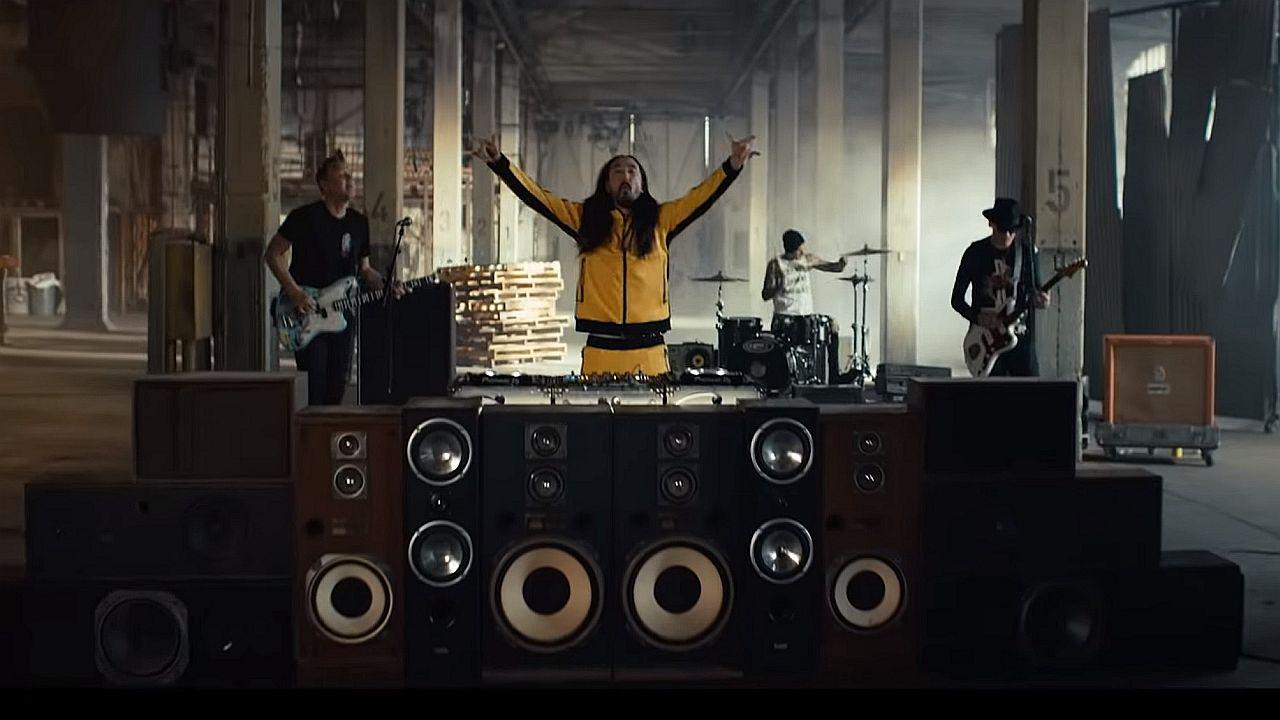 Videoclip Steve Aoki Blink 182 Why Are We So Broken