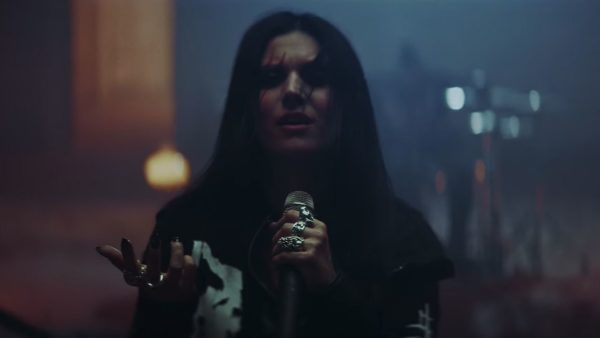 Videoclip Lacuna Coil Layers of Time