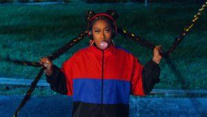 Videoclip Missy Elliott Throw It Back