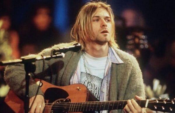 Pulover Kurt Cobain MTV Unplugged 1993 licitatie