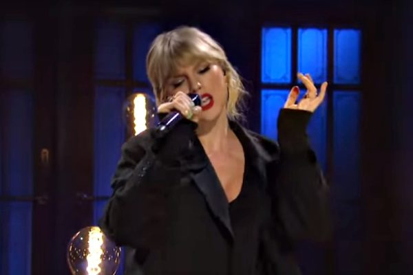 Taylor Swift: False God (Live) - SNL
