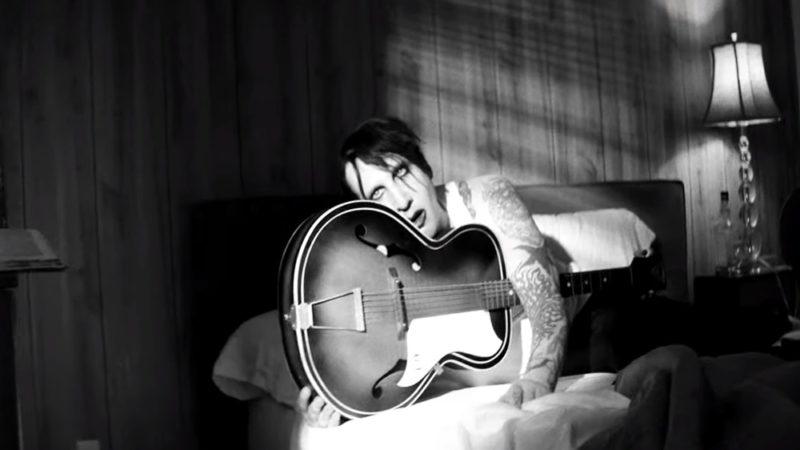 Marilyn Manson - God's Gonna Cut You Down