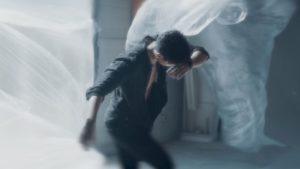 Videoclip Emilian Jo Suflete de sticla