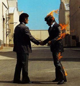 """Coperta albumului """"Wish You Were Here"""", a trupei Pink Floyd"""
