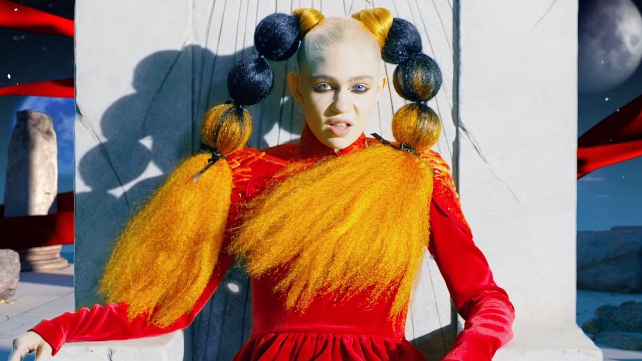 Videoclip Grimes Delete Forever