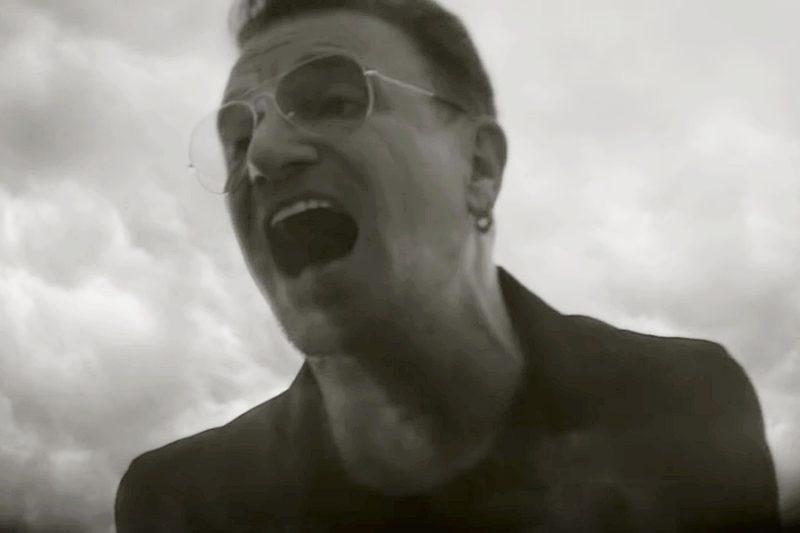 """Bono în videoclipul piesei """"Song For Someone"""""""