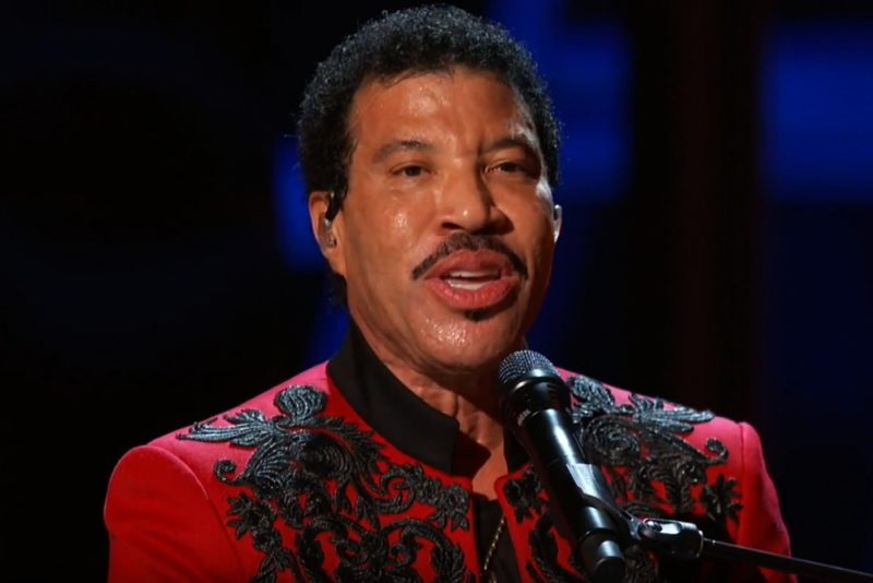 Lionel Richie live, 2019 Breakthrough Prize Ceremony (Screenshot)