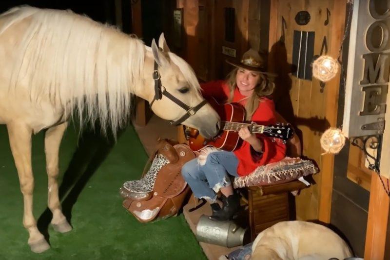 Shania Twain (captură ecran)