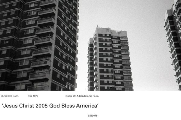 """The 1974 - """"Jesus Christ 2005 God Bless America"""" (captură ecran)"""