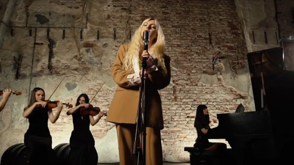Alexandra Stan - Obsesii (Acoustic Version)