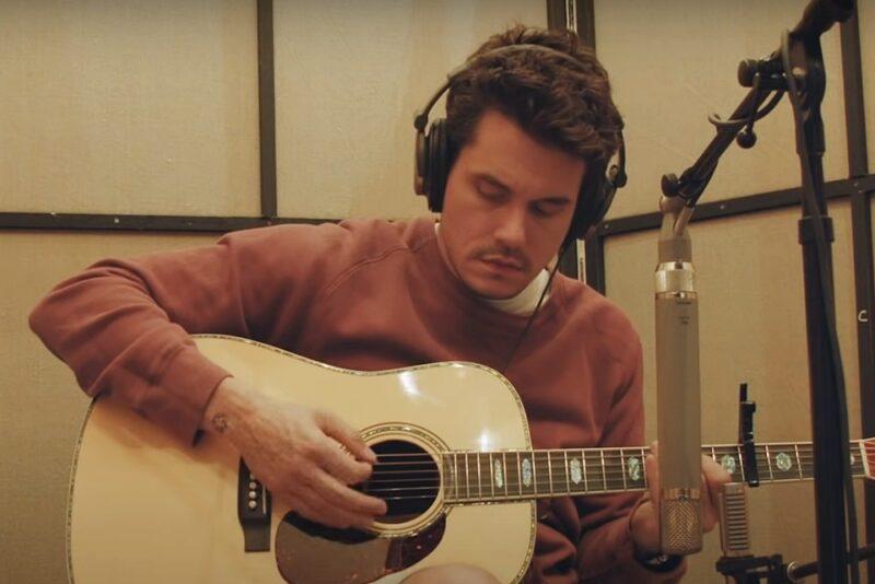 """John Mayer în videoclipul """"Carry Me Away"""""""