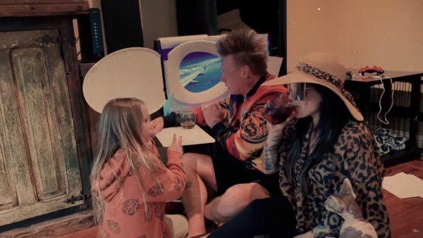 Videoclip Papa Roach Feel Like Home